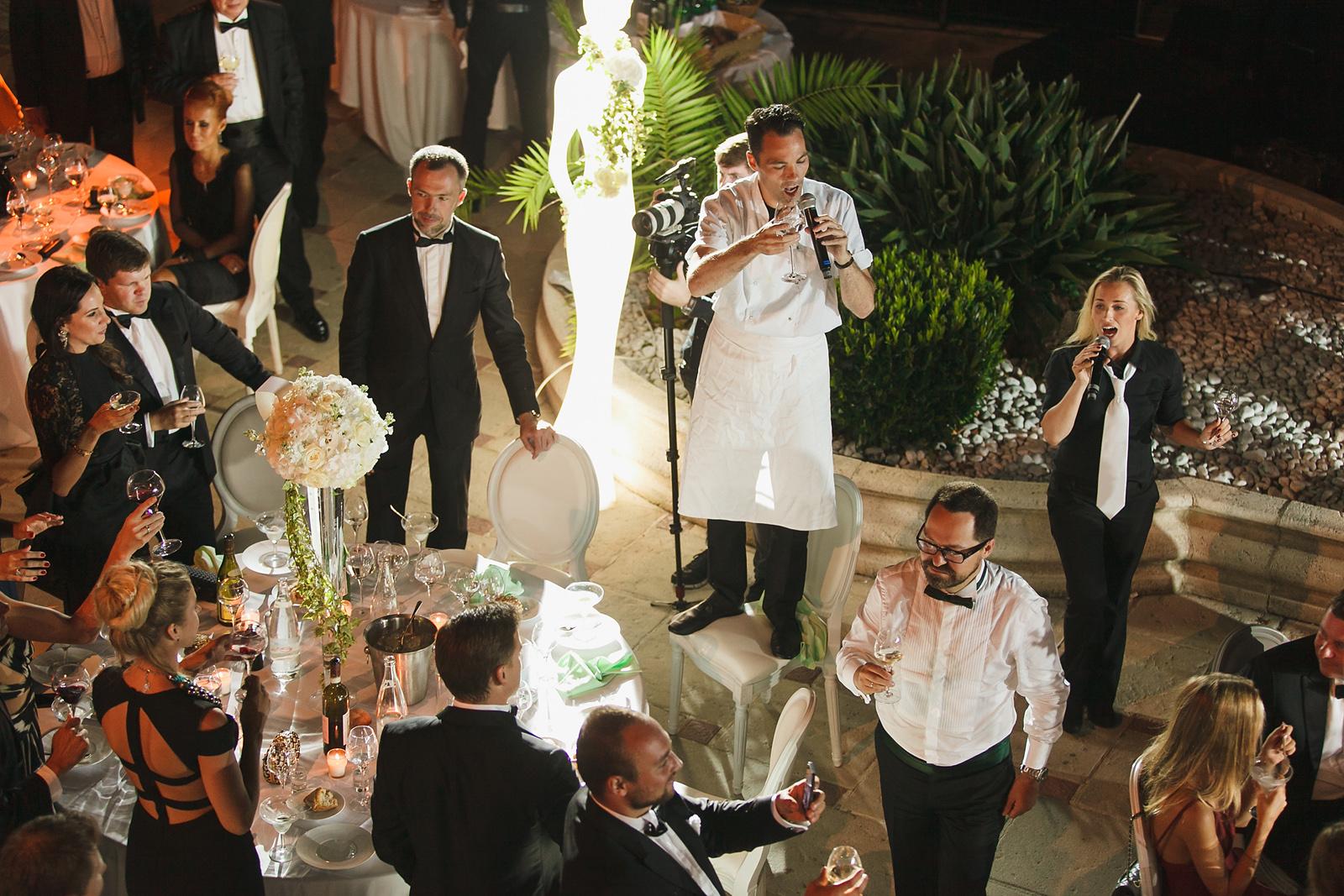 Первая встреча исполнителей услуг с женихом и невестой - о чем говорить?